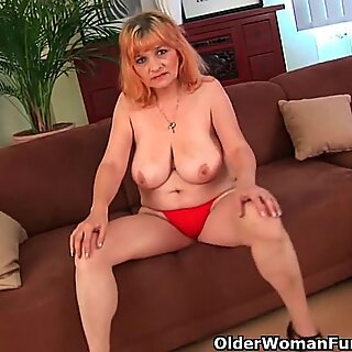 Redheaded grandmothers in enthusiasm tear up a dildo