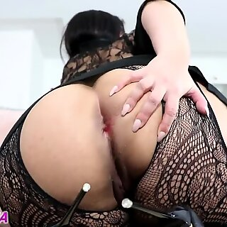 super-naughty and mind-blowing lady farting