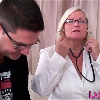 Grandma blows hard dick in threeway