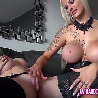 Aviva Rocks und ihre deutsche Freundin mit den riesen Titten