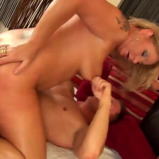 chubby moms first fist fuck lesson