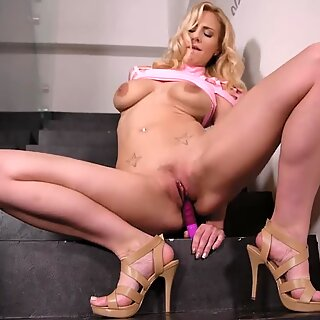 Deep pussy insertion & vibrator sucking makes Nathaly Cherie climax hard