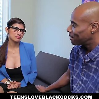 International sex with romantic and shy superstar Mia Khalifa.