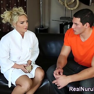 Teen masseuse sucks cock
