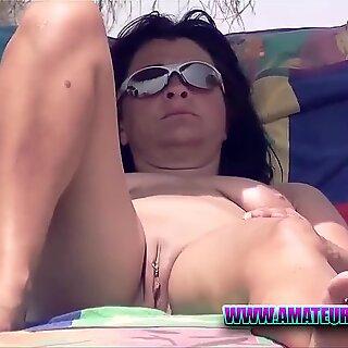 Pussy Close-Up Nudist Voyeur Beach Amateur Video