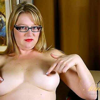 Juicy Vagina Of Mature Blonde