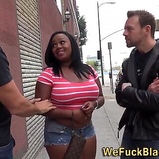 Chunky black babe gets dp