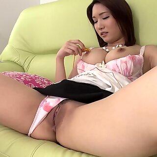 Japanese mature, Mikuni Maisaki is moaning, uncensored