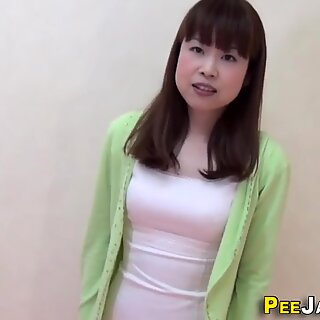 Asian babes pee in paddling pool